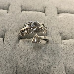 Jewelry - Adjustable feather and arrow ring